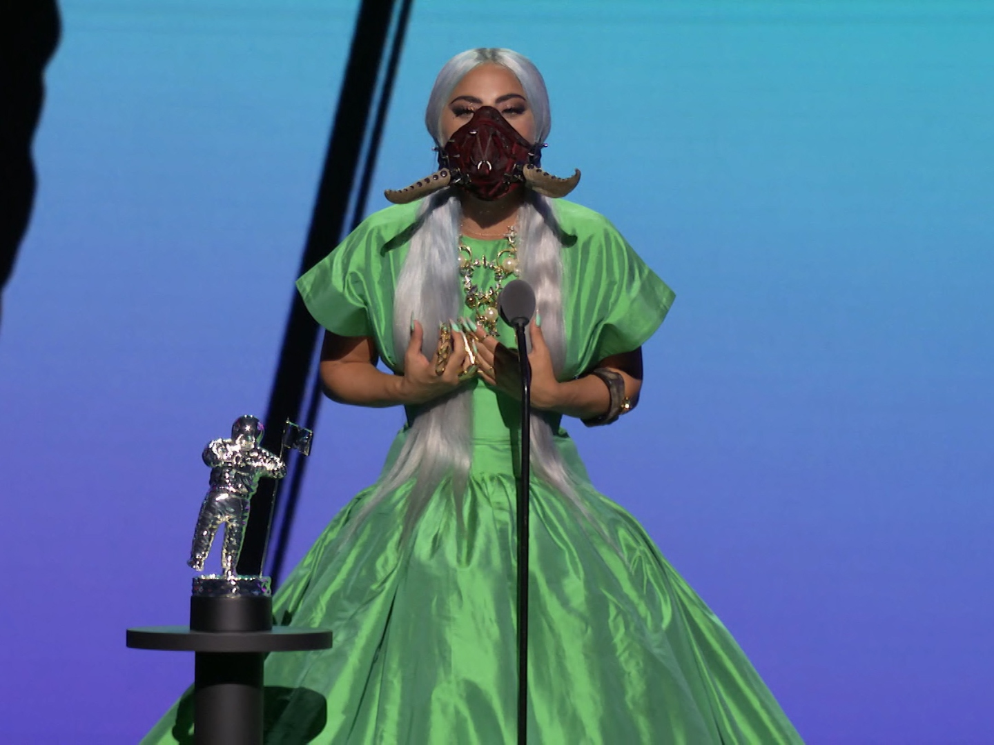 Lady Gaga Gives Face Mask Advice In 2020 Vmas Tricon Acceptance Speech Sheknows