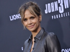 Halle Berry & Van Hunt Post Cryptic Photos Confirming Their Relationship