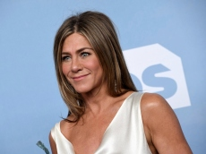 Jennifer Aniston Just Kicked Off This Year's Alcohol & Loungewear Emmys Theme in Style
