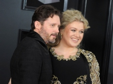 Kelly Clarkson Hints at Bombshell Revelation That Led to Her Divorcing Brandon Blackstock