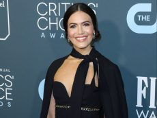 Mandy Moore Announces She's Pregnant With Adorable Baby Bump Photo