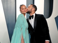 Chrissy Teigen Loses Baby, Shares the 'Kind pf Deep Pain You Only Hear About'
