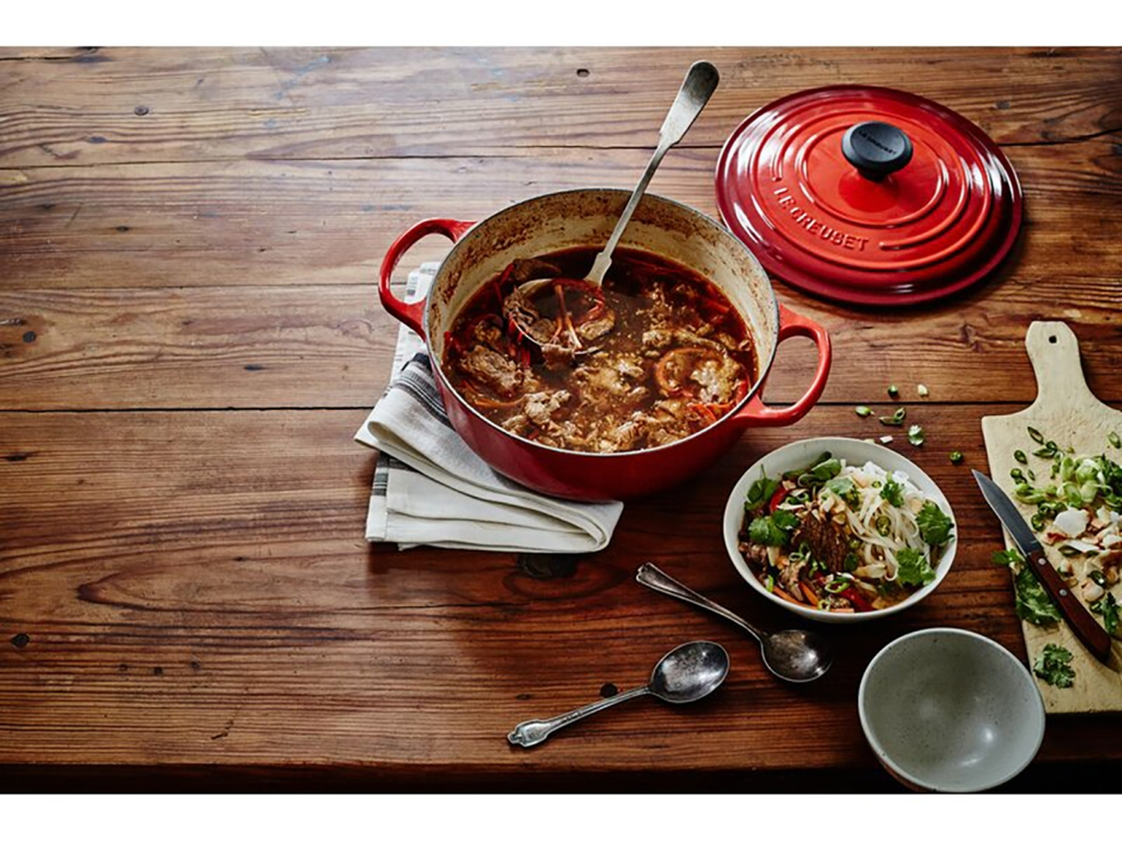 Hurry! One of Ina Garten's Favorite Dutch Ovens Is Still 40% Off During Wayfair's Extended Black Friday Sale