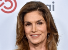 Cindy Crawford Shares Rare Family Photo With Lookalike Kids Kaia & Presley