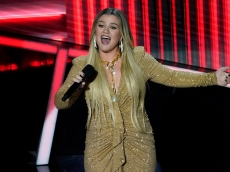 Kelly Clarkson Hints Brandon Blackstock Stopped Supporting Her in Their Marriage
