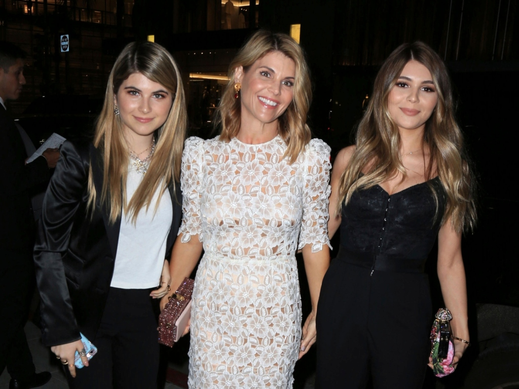 Lori Loughlin & Mossimo Giannulli's Daughters Are Scared For Their Parents in Prison