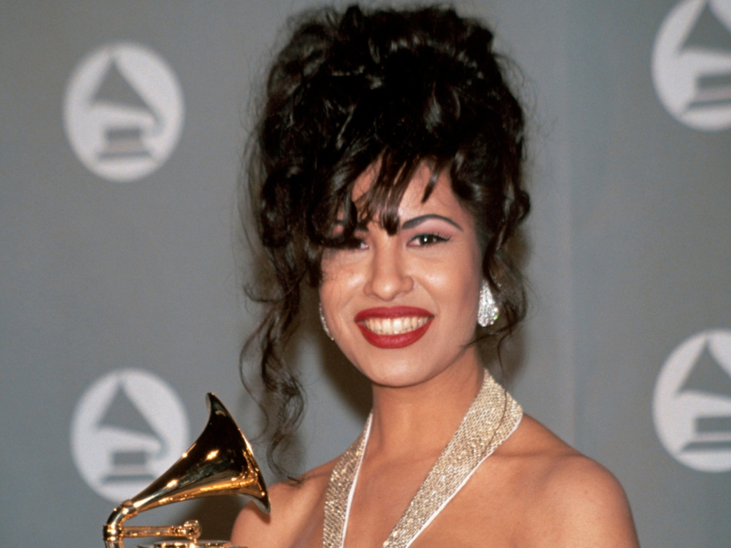 Netflix's New Series on Selena Quintanilla Will Show Another Side of the Late Singer