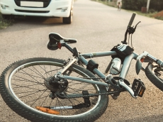 Is This Mom's Hack for Teaching Bike Safety 'Borderline Abusive' or Smart?