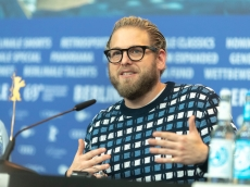 Jonah Hill Has a Message for the Kids Who Are Insecure About Taking Their Shirts Off at the Pool