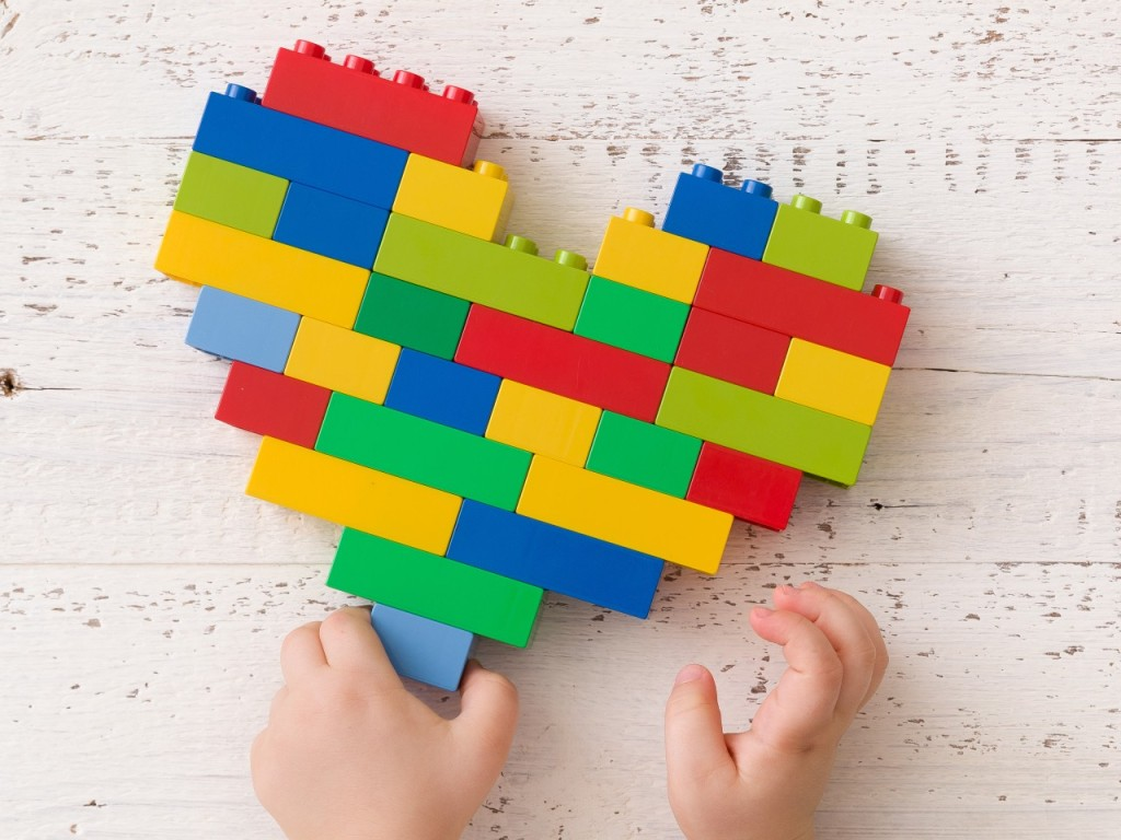 Cute LEGO Valentine's Day Sets That Make Perfect Presents for Your Kids