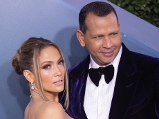 Alex Rodriguez Made a Jaw-Dropping Public Bid For Jennifer Lopez to Take Him Back