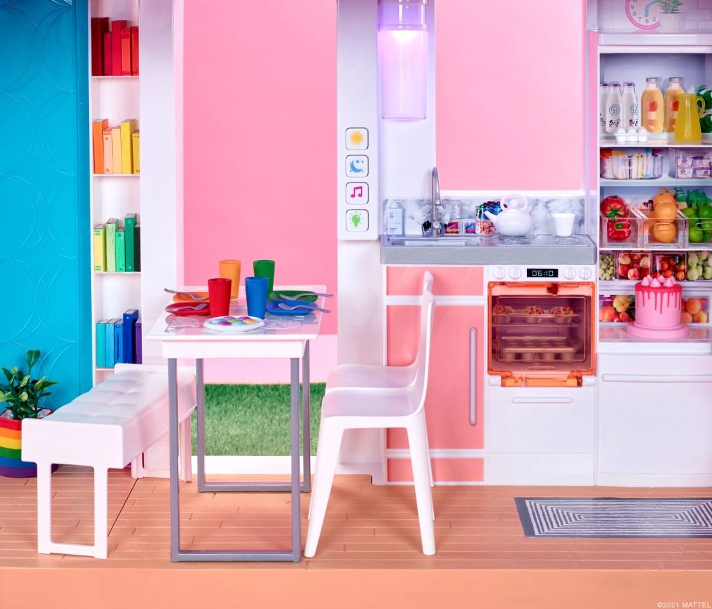 2021 Barbie DreamHouse