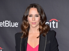 Jennifer Love Hewitt Reveals How She Found Out She Was Pregnant at 42 With Baby #3