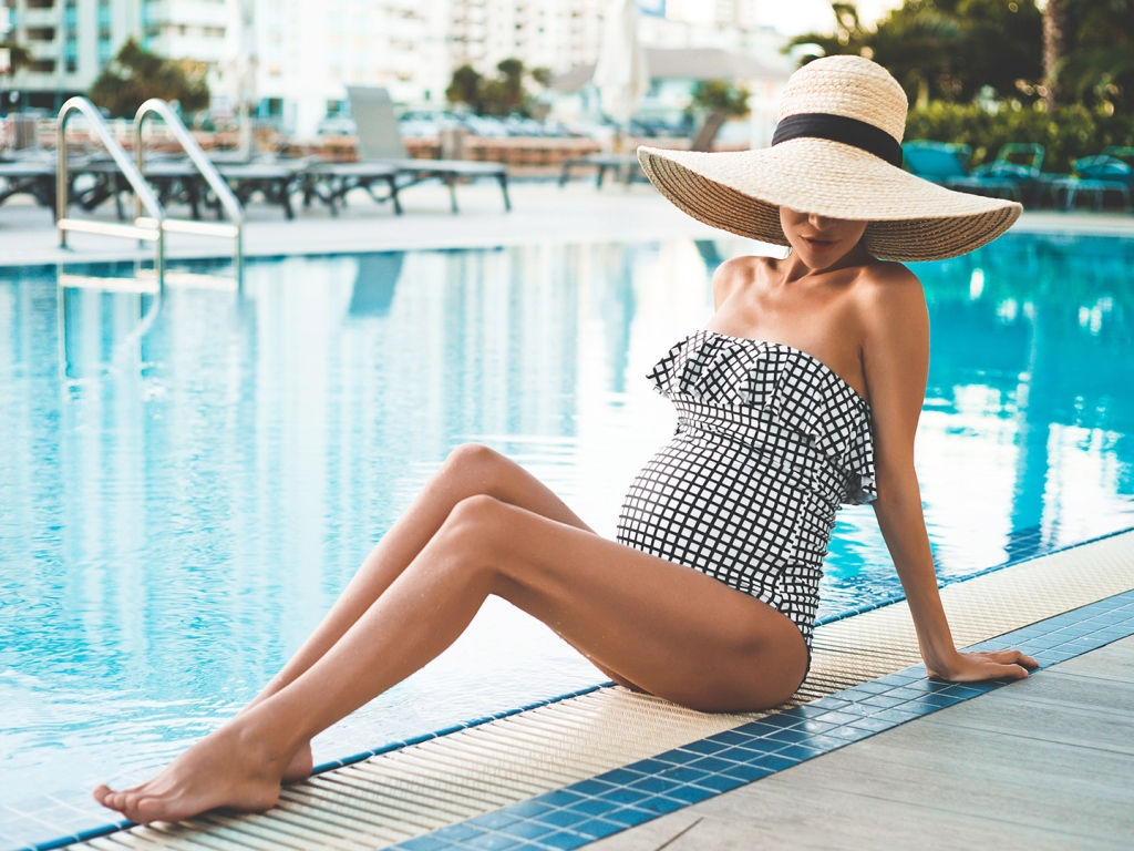 5 Chic  amp  Comfy Maternity Swimsuits mdash All on Amazon