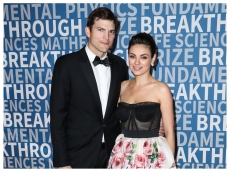 Mila Kunis & Ashton Kutcher's Approach to Bath Time Is One We Can Get Behind
