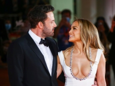 Jennifer Lopez Gave a Behind-the-Scenes Look at How She Prepared For Her Red Carpet Return With Ben Affleck