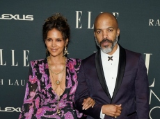 Halle Berry Just Hinted at How Serious Things Are With Van Hunt on the Women in Hollywood Red Carpet
